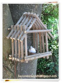 Bird House Kits Make Great Bird Houses Twig Crafts, Diy Home Crafts, Nature Crafts, Garden Crafts, Garden Projects, Wood Crafts, Garden Art, Homemade Bird Houses, Bird Houses Diy