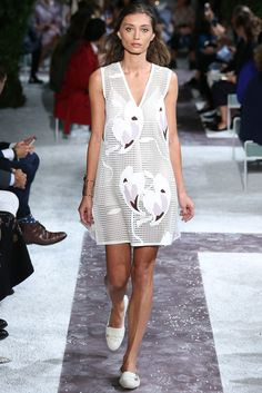 Tod's Spring 2015 Ready-to-Wear - Collection - Gallery - Look 1 - Style.com