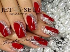 Christmas nail designs !!! Luxury Beauty - winter nails - http://amzn.to/2lfafj4