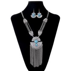 V2S Turk Tassel Necklace Set