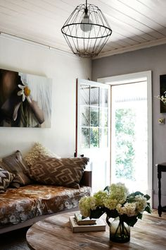 love the wire basket pendant lamp