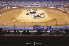 Late Models in The Dome. Slowww Shutter https://racingnews.co/2016/12/17/2016-gateway-dirt-nationals-photography-saturday/ #slowshutter