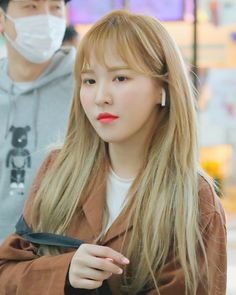 180421 Incheon Airport - © to Aqua Mood Seulgi, Park Sooyoung, Extended Play, Kpop Girl Groups, Korean Girl Groups, Irene, Wendy Red Velvet, Kim Yerim, Yellow Hair