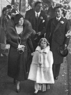 "theroyalhistory: ""The Duke and Duchess of York (King George VI and Queen Elizabeth, the Queen Mother) with Princess Elizabeth (Queen Elizabeth II) at the wedding of Lady May Cambridge and Captain. King Queen Prince Princess, Queen Liz, Hm The Queen, Her Majesty The Queen, Royal Family History, English Royal Family, British Royal Families, Princess Elizabeth, Queen Elizabeth Ii"