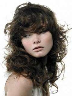 Tagli scalati per capelli ricci (Foto 4 41)  69d091a0fadd