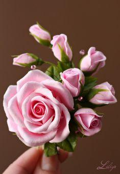 Вот такой комплет украшений сделался на розовую свадьбу (10 лет совместной жизни). Сначала думали и выбирали другие цветы, но розовые розы очень символично,… Sugar Flowers, Felt Flowers, Paper Flowers, Beautiful Flowers, Beautiful Flower Arrangements, Flower Nails, Gum Paste, Flower Photos, Clay Art