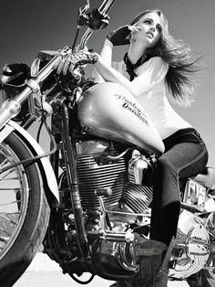 Biker girl  http://bikes-n-girls.tumblr.com/