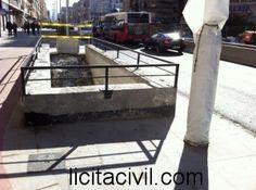 Detalle vallado acceso a parada Recogidas. Metro Granada.