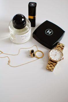 Kuistin kautta: Peiliin katsomisen paikka #Chanel #Byredo #Marc by Marc Jacobs #Pernille Corydon