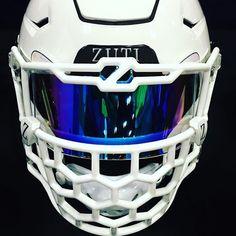 Zuti custom face mask on a Riddell Speed Flex helmet with an Iridium Clear Rainb… – Dance And Sport Football Helmet Design, College Football Helmets, Sports Helmet, Football Is Life, Football Uniforms, Football Gear, Football Memes, Football And Basketball, Football Cleats