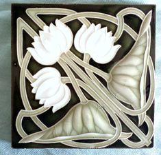 Kachel - Fliese - Jugendstil - NSTG Vintage Tile, Vintage Pottery, Arts And Crafts House, Hobbies And Crafts, Azulejos Art Nouveau, Art Nouveau Tiles, Islamic Patterns, Handmade Tiles, China Painting