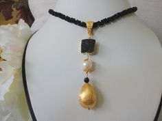 black necklace gold, druzy necklace, beadwork necklace, black bead necklace, seed bead, gold bead, white pearl, unique necklace for women - pinned by pin4etsy.com