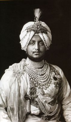 Maharaja Bhupendra Singh of Patiala wearing his fourteen strand natural pearl necklace and royal jewels. Moustaches, Royal Indian, History Of India, Vintage India, Great King, Royal Court, Royal Jewelry, Jewelry Rings, Jewelery