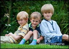 Footie fun - family portrait photography | Helen Traherne Photography