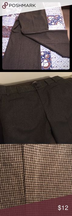 Size 10 short Nanette Lepore Trousers Nanette Lepore brand size 10 short trousers. There are brown, cream, black, and white pattern (see photo of pattern). Pockets in the front and back. These pants are very professional and are a great piece for fall 😀 Nanette Lepore Pants Trousers