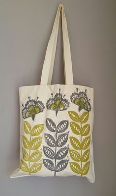 Lovely, environmentally friendly and reusable tote bag, designed and hand-printed by me in my shropshire studio using washable fabric block printing inks. Printing Ink, Fabric Printing, Floral Tote Bags, Retro Flowers, Printed Bags, Handmade Bags, Projects To Try, Reusable Tote Bags, Prints