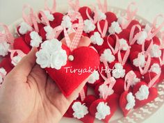 felt hearts with roses