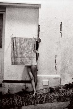 Francesca Woodman, Unknown on ArtStack #francesca-woodman #art