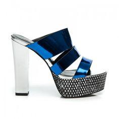 2dba506523e Dámské pantofle Pare modré – modrá Stylové pantofle na platformě a s  vysokým podpatkem jsou ideálním řešením