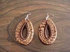 Pine Needle Earrings in Gold Silver and Coffee Brown by CasadelosGigantes, $10.00 - i love the gold and brown!