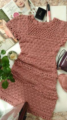 Crochet Men, Gilet Crochet, Crochet Romper, Crochet Poncho Patterns, Crochet Girls, Crochet Baby Clothes, Crochet Cardigan, Vintage Crochet, Crochet Bikini