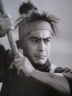 Toshiro Mifune, looks like the dual with Sasaki Kojiro! He used a Bouken (wooden sword) instead of a real sword to strike Kojiro...!
