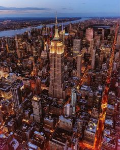 Empire State Building by killian moore New York City Feeling The Best Photos and Videos of New York City including the Statue of Liberty, Brooklyn Bridge, Central Park, Empire State Building, Chrysler Building and other popular New York places and attractions
