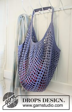 Free knitting patterns and crochet patterns by DROPS Design Knitting Patterns Free, Free Knitting, Free Crochet, Knit Crochet, Crochet Patterns, Finger Knitting, Scarf Patterns, Knit Cowl, Knitting Machine