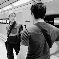 Dylan O´Brien and Thomas Sangster - Thomas and Newt gif - The Death Cure B-Roll