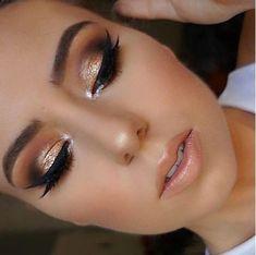 Party Glitter Make-up Eyeliner Maquillage - maquillage naturelle - maquillage tutoriel - maquillage Make Up Gold, Glitter Make Up, Eye Make Up, Gold Smokey Eye, Smokey Eye Makeup, Smoky Eye, Makeup Eyeshadow, Makeup Inspo, Makeup Inspiration