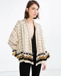 skip the robe and opt for a chic kimono she can rock anytime, anywhere Folk Fashion, Kimono Fashion, Fashion Outfits, Fashion Trends, Mode Kimono, Kimono Jacket, Kimono Cardigan, Sporty Chic, Outerwear Women