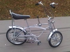 Schwinn Grey Ghost Stingray Sting Ray Diecast Metal Bicycle Bike. I had this one!