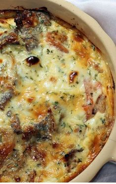 Cheesy Steak Bake - Steak, Caramelized Onions And Lots Of Cheese Make Up The Heart Of This Easy Baked Dish, And It All Comes Together Seamlessly For One Hearty Meal Thatll Satisfy The Whole Family. Steak Fajitas, Steak Marinades, Marinade Steak, Chicken Steak, Beef Steak, Chicken Gravy, Roasted Chicken, Fried Chicken, Cube Steak