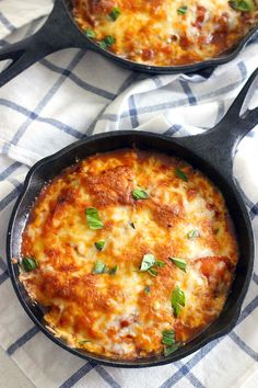 Gnocchi with Marinara, Mozzarella, and Fresh Basil Baked Gnocchi is a quick and easy weeknight meal- cheesy, pillowy gnocchi smothered in marinara sauce- the ultimate Italian comfort food with only FOUR pre-made ingredients!Italian Italian may refer to: Easy Weeknight Meals, Easy Meals, Easy Foods To Make, Vegetarian Recipes, Cooking Recipes, Oven Recipes, Vegetarian Cooking, Easy Cooking, Cooking Okra