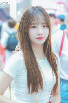 Elfa, Yuri, Korean Girl, Asian Girl, Kcon Ny, 2 Logo, Asian Babies, Brown Blonde Hair, Japanese Girl Group
