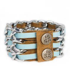 Bijzonder! Mooi zachtblauw leer, tweezijdig draagbare armband. Link 3 bracelet www.issamadeby.nl/link-three-frisblauw Handmade Accessories, Bracelets, Jewelry, Fashion, Wristlets, Moda, Jewlery, Jewerly, Fashion Styles