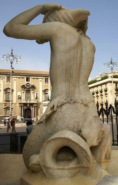 Catania, Piazza Duomo, Fontana dell' Amenano und Rathaus (Amenano fountain and townhall) | Flickr - Photo Sharing!
