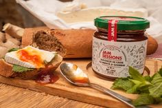 Apricot chutney with ginger and mint Chutney, Cheese, Homemade, Food, Home Made, Essen, Meals, Chutneys, Yemek