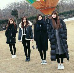 BlackPink in the zoo Kpop Girl Groups, Korean Girl Groups, Kpop Girls, Yg Entertainment, Blackpink Fashion, Korean Fashion, K Pop, Blackpink Debut, Jennie Lisa