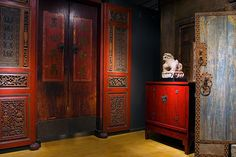 Gallery Tour - Tour our 23,000 square foot antiques gallery   The Golden Triangle