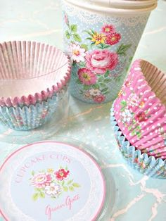 floral cuteness for baking....if it doesn't taste good at least it will look good!