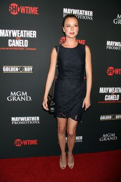 Emily VanCamp Photos - Stars at the MGM Grand for the Floyd Mayweather Jr. Fight - Zimbio