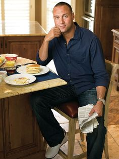 Derek Jeter Eats These Buttermilk Pancakes Every Morning Before a Game — Get His Recipe http://greatideas.people.com/2014/09/15/derek-jeter-pancake-recipe/
