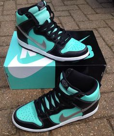 Nike SB Dunk Tiffany High These are soooooo dope! Dr Shoes, Cute Nike Shoes, Swag Shoes, Cute Sneakers, Hype Shoes, Shoes Sneakers, Nike Shoes Men, Sneakers Design, Winter Sneakers