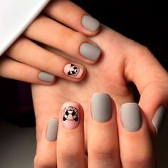 Diseños de uñas que levantarán tu estado de ánimo si estás deprimido - uñas decoradas para niñas - Matte Nails, Diy Nails, Acrylic Nails, Love Nails, Pretty Nails, Manicure E Pedicure, Bridal Pedicure, Cute Nail Art, Nagel Gel