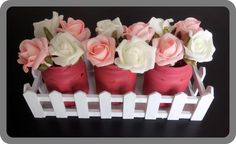 Centre Piece Distressed painted jars Pin Flowers White flowers White fence Chalk paint Upcycling Decoration Homemade DIY