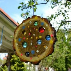 Garden crafts bring sunshine into your life and your garden with this lovingly handmade sun lens you succeed in no time hits light or 15 diy garden decor ideas that are the cutest! Garden Crafts, Garden Projects, Wood Projects, Craft Projects, Garden Ideas, Garden Pots, Diy Garden Decor, Box Garden, Garden Edging