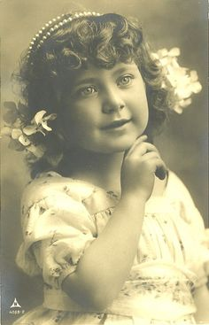 Little old-fashioned beauty......back when girls looked like girls!