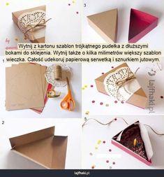 Pudełeczko na prezent - DIY - Wytnij z kartonu szablon trójkątnego pudełka z dłuższymi bokami do sklejenia. Wytnij także o kilka milimetrów większy szablon wieczka. Całość udekoruj papierową serwetką i sznurkiem jutowym.