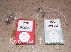 Here are some great ideas to make cute homemade valentines for the kids. You Make My Heart Glow fromThe Teacher Wifewith a printable. Glow sticks can be purchased for pennies These Homemade Bubble Valentines from Domestic Charm are adorable and the kids will love them. You can find all the instructions and someprintablesto go with …